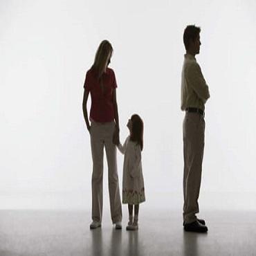 Hạn chế quyền thăm nuôi con của cha mẹ